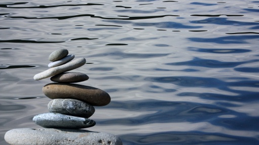 zen-stones-by-water